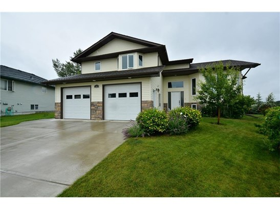 160 Sunset Ht, Crossfield, AB - CAN (photo 1)