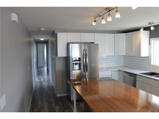 23 Park Rd, Carstairs, AB - CAN (photo 4)