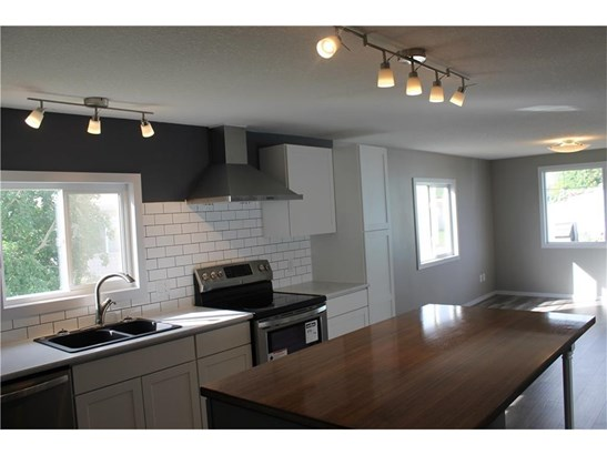 23 Park Rd, Carstairs, AB - CAN (photo 5)