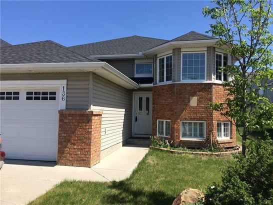 136 Cove Dr, Chestermere, AB - CAN (photo 1)