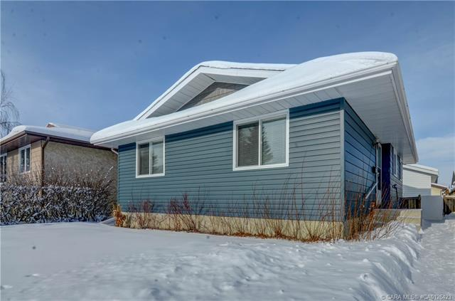 112 Carpenter  St, Red Deer, AB - CAN (photo 1)