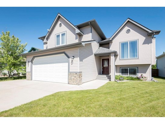 71 Collins Cr, Crossfield, AB - CAN (photo 1)