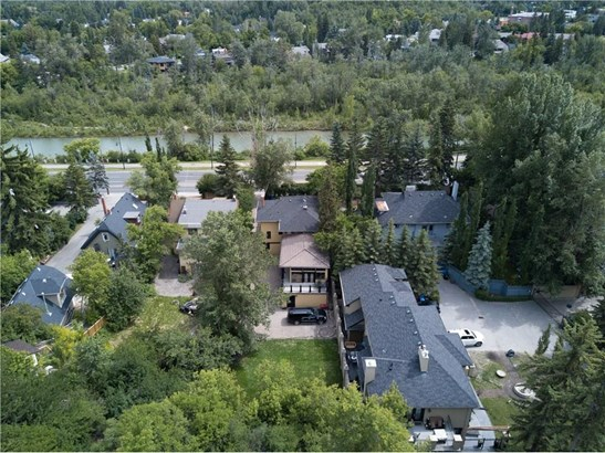 628 Elbow Dr Sw, Calgary, AB - CAN (photo 5)