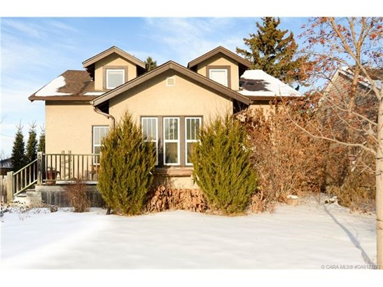 5914 64  St, Red Deer, AB - CAN (photo 2)