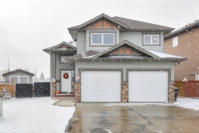5 Heritage  Drive, Penhold, AB - CAN (photo 1)