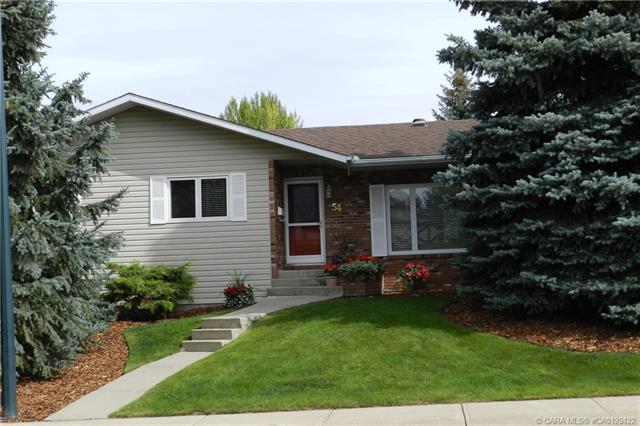 54 Mccullough  Cres, Red Deer, AB - CAN (photo 3)