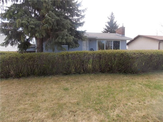1325 Osler St, Carstairs, AB - CAN (photo 3)