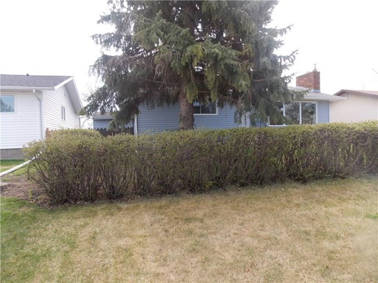 1325 Osler St, Carstairs, AB - CAN (photo 4)