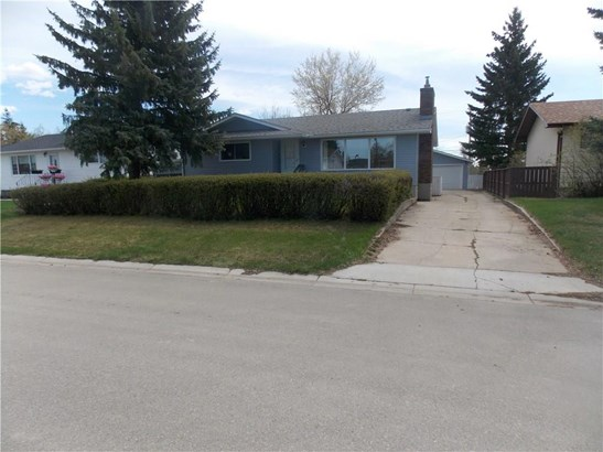 1325 Osler St, Carstairs, AB - CAN (photo 5)