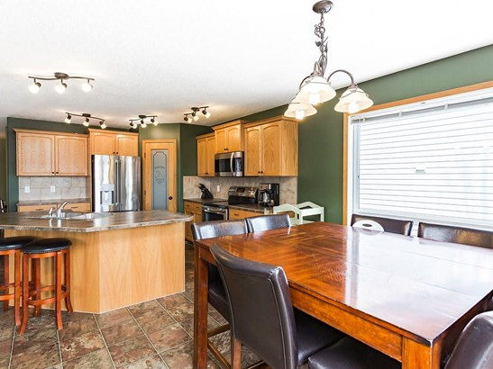 509 Country Meadows St, Turner Valley, AB - CAN (photo 5)