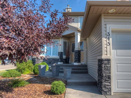 345 Highland Ci, Strathmore, AB - CAN (photo 2)