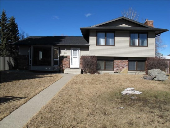 310 Robert St Nw, Turner Valley, AB - CAN (photo 2)