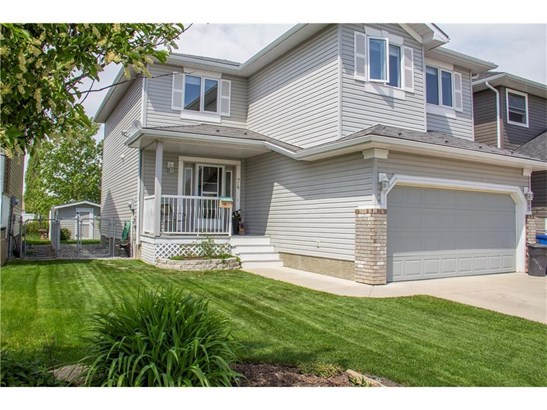 74 Thorndale Cl Se, Airdrie, AB - CAN (photo 2)