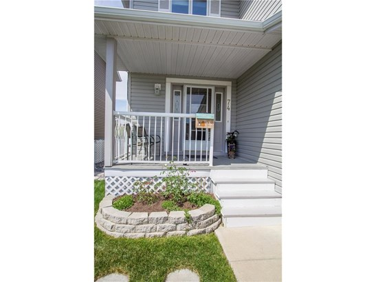 74 Thorndale Cl Se, Airdrie, AB - CAN (photo 3)