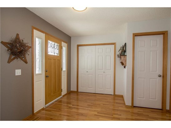 74 Thorndale Cl Se, Airdrie, AB - CAN (photo 5)