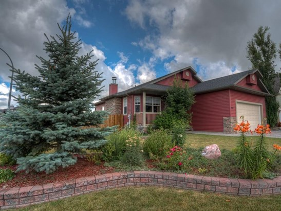 150 Strathmore Lakes Pl, Strathmore, AB - CAN (photo 1)