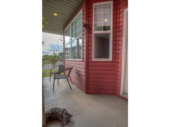 150 Strathmore Lakes Pl, Strathmore, AB - CAN (photo 3)