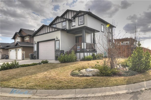 259 Sunset Ht, Crossfield, AB - CAN (photo 1)