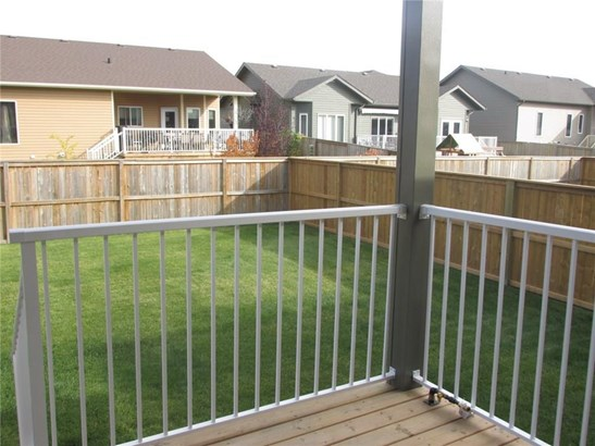 23 Vincent Cr, Olds, AB - CAN (photo 4)