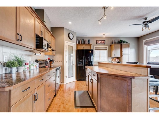 114 Tanner Cl Se, Airdrie, AB - CAN (photo 3)