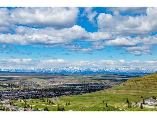 164 Gleneagles Estates Ln, Cochrane, AB - CAN (photo 4)