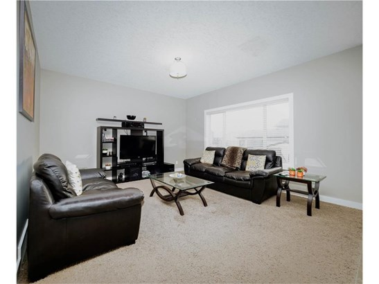1173 Kingston Cr Se, Airdrie, AB - CAN (photo 5)