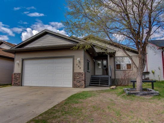 196 Camden Pl, Strathmore, AB - CAN (photo 1)