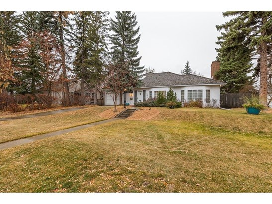 602 Sifton Bv Sw, Calgary, AB - CAN (photo 2)