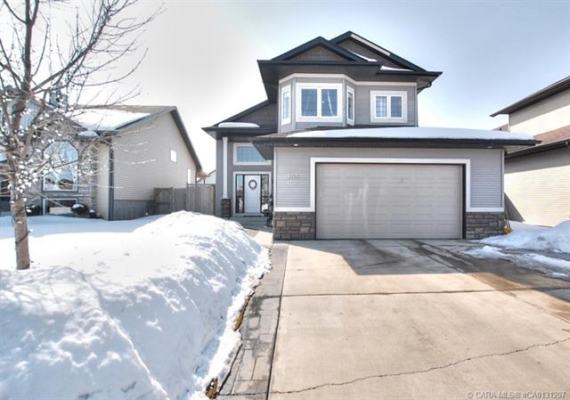 135 Webster  Drive, Red Deer, AB - CAN (photo 1)