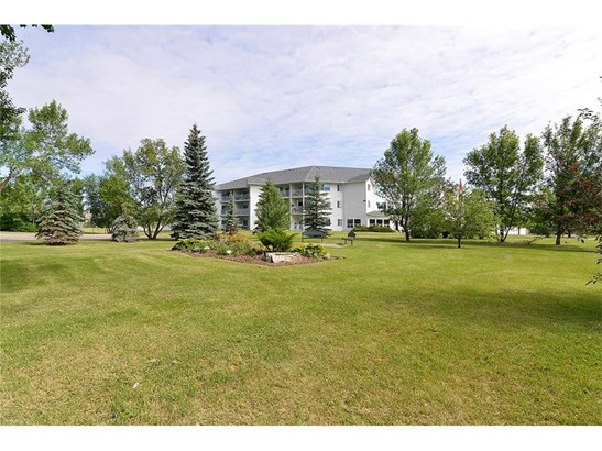 #317 3 Parklane Wy, Strathmore, AB - CAN (photo 2)