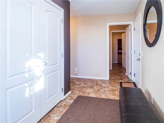 144 Springmere Gv, Chestermere, AB - CAN (photo 2)