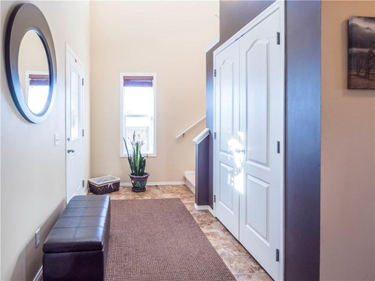 144 Springmere Gv, Chestermere, AB - CAN (photo 3)