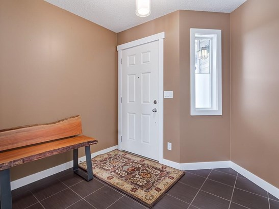 1024 Kingston Cr Se, Airdrie, AB - CAN (photo 2)