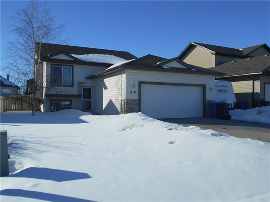 1118 Stevens St, Crossfield, AB - CAN (photo 1)