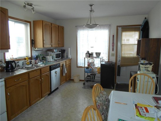 1118 Stevens St, Crossfield, AB - CAN (photo 4)