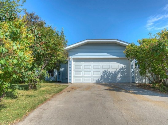 145 Maplewood Dr, Strathmore, AB - CAN (photo 2)