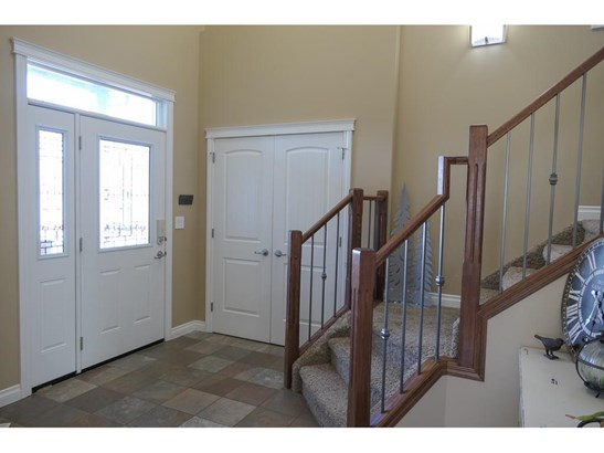 29 Viceroy Cr, Olds, AB - CAN (photo 5)
