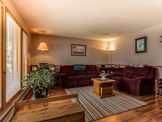 5 Parkwood Pl, Strathmore, AB - CAN (photo 4)