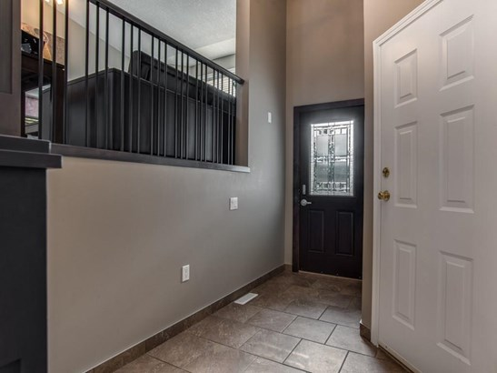 339 Centre St, Strathmore, AB - CAN (photo 3)