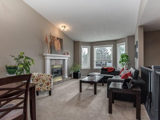 339 Centre St, Strathmore, AB - CAN (photo 4)