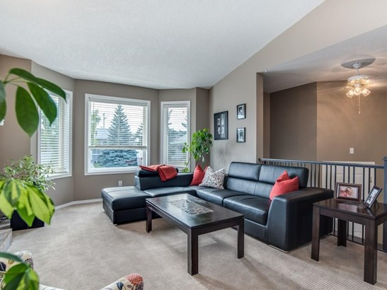 339 Centre St, Strathmore, AB - CAN (photo 5)