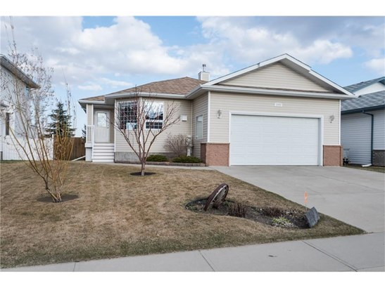 1773 Harrison St, Crossfield, AB - CAN (photo 2)