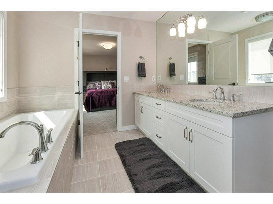 1346 Bayside Dr Sw, Airdrie, AB - CAN (photo 4)