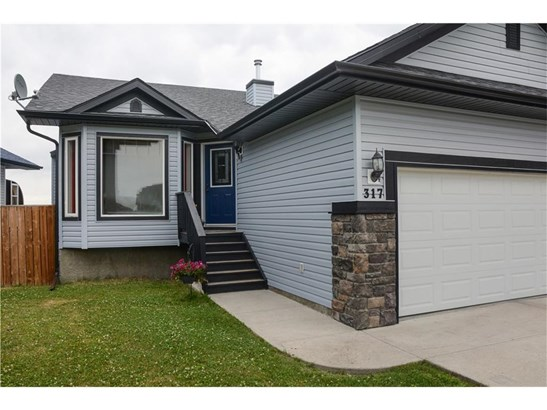 317 John St Sw, Turner Valley, AB - CAN (photo 2)
