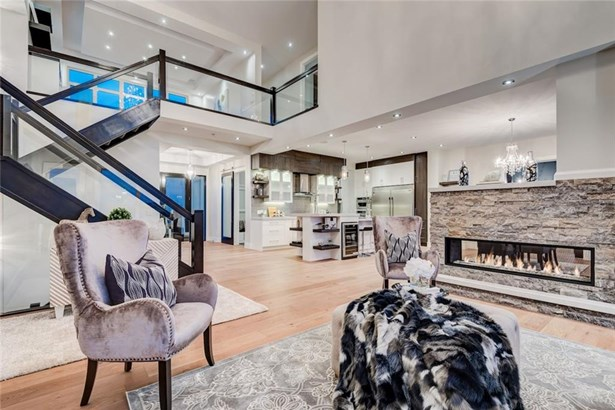 422 Patterson Bv Sw, Calgary, AB - CAN (photo 1)