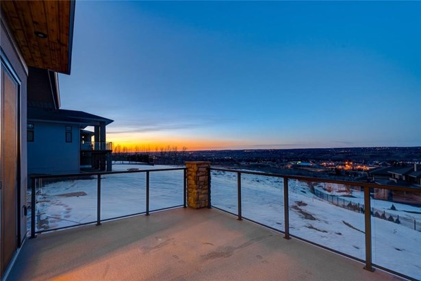 422 Patterson Bv Sw, Calgary, AB - CAN (photo 5)