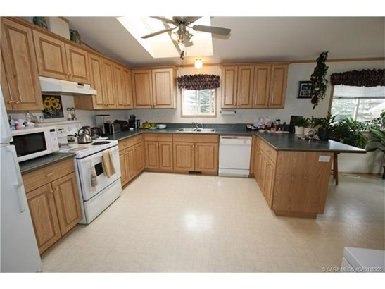 5420 49a  Ave, Alix, AB - CAN (photo 3)
