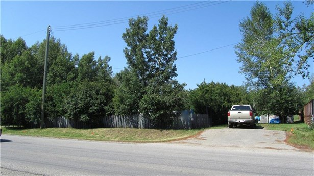 308 Main St, Turner Valley, AB - CAN (photo 2)
