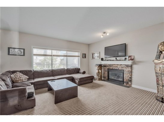 128 Hawkmere Wy, Chestermere, AB - CAN (photo 2)