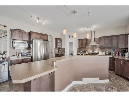128 Hawkmere Wy, Chestermere, AB - CAN (photo 5)